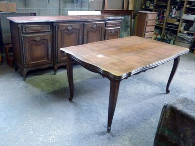 Table S349 & Buffet S350